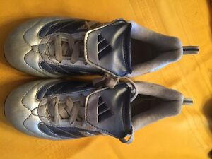 Adidas kids soccer cleats. Size 2