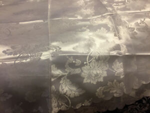 silk table cloth