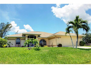 **BEAUTIFUL HOME ON FRESHWATER CANAL** - in Cape Coral, Fl (USA)