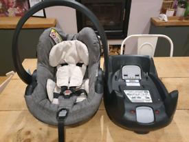 iZi Go/stokke BeSafe car seat and Iso base.