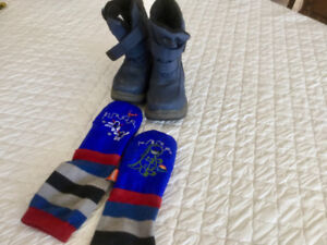 mimiTENS Mittens/COUGAR size 9 Boots