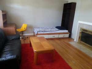 LARGE Private Bedroom by BCIT/EA/Metrotown