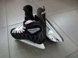 CCM Intruder Youth Skates