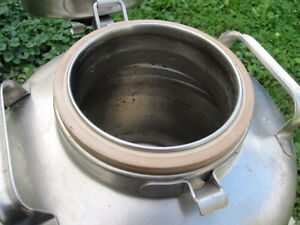 3 Gallon Stainless Steel Thermal Beverage or Water Container Kingston Kingston Area image 4