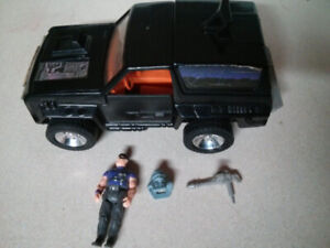 M.A.S.K. vehicle and action figure Jackhammer with Cliff Dagger