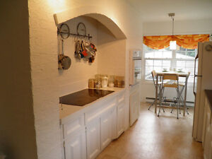 Large 3 bedroom apartment with large front deck