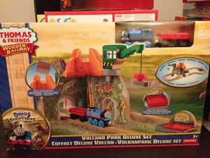 New! Thomas and friends volcano park deluxe wooden train