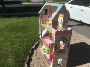Reduced Barbie House