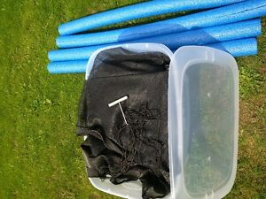 Trampoline 11 Ft with enclosure and pad nice shape