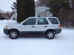 2004 Ford Escape Weekend sale $2800