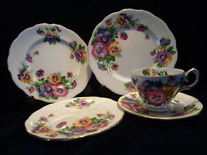Queen Anne Spring Melody Fine Bone China 1940/50's