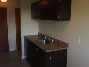 3bedrooms for the price of 2br. December 1