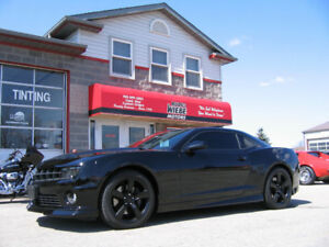 2011 Chevrolet Camaro RS SS * Only 24,000kms! , Mint! *