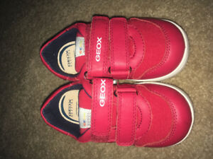 NEW Kid's GEOX sneakers size 7.5