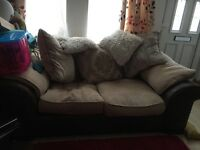 2 seater sofa £40 no offers can deliver if local to Leicester