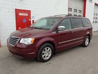 2009 Chrysler Town & Country ~ Dual DVD ~ 87,000KMS ~ $12,799