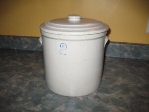 2 gallon crock with lid