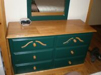 Beautiful Green Dresser & 2 Night Tables - @@ WILL  DELIVER @@