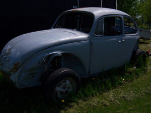 ** 1972 Volkswagen Super Beetle Chaise and Body