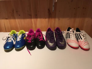 Soccer cleats 4 pairs-3 new