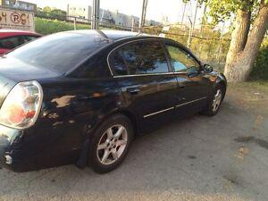 Nissan Altima 2005 1600$ nego