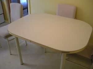 Kitchen Set Table and 4 Chairs