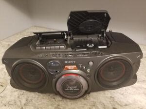 Sony CFD-G70 CD/Cassette/AM/FM Radio.