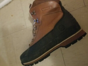 Lightly used Timerland Boots size 11