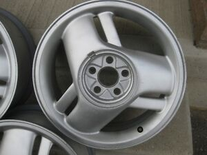 Alloy wheels with centre caps. Kitchener / Waterloo Kitchener Area image 2