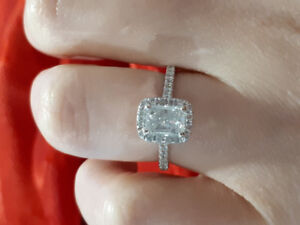 Beautiful Engagement Ring for Sale!!