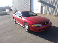 1994 Ford Mustang V6 Automatique