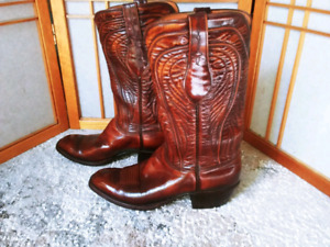 Mens Luchesse Cowboy Boots. Size 8