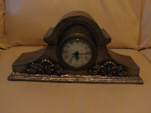 "small 13"" Replica Mantle Clock (Brighton By the Bay) Belleville Belleville Area image 1"