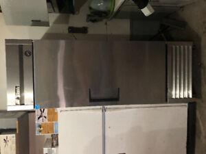 Industrial/ restaurant refrigerator