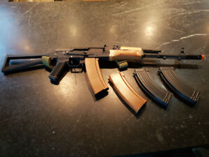 used AK74 airsoft + 4 magazines