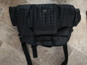 BLACK DIAPER BAG