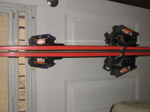 K2 185 DOWNHILL SKIIS WITH TYROLIA 580 BINDINGS