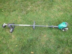 Weed Eater Max Gas Lawn Trimmer - Works Great