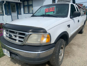 2001 Ford E-150 Pickup Truck