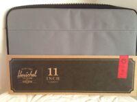 🎄Herschel 11inch grey Mac book Air anchor sleeve brand new