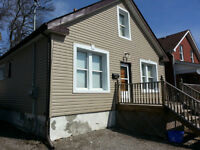 Renovated, Clean Apartment in House (Simcoe/ Elm) Avail. Aug.1