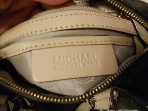 Michael Kors small grayson signature logo print purse Kitchener / Waterloo Kitchener Area image 8