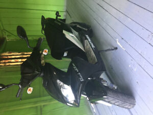 Daymak 50cc gas scooter 2010.$ 1200.00 obo