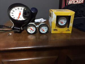 Auto meter Gauges and Pillar Pods for Foxbody Peterborough Peterborough Area image 1