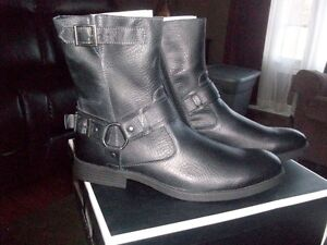 MENS NEW LEATHER BIKER BOOTS NEVER WORN
