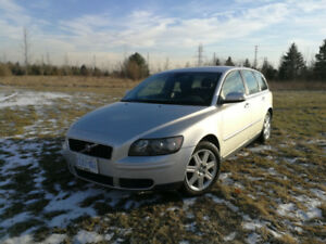 2007 Volvo V50 2.4 Wagon - 170000km - AS IS