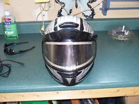 g max snowmobile helmet with heated visor plug in