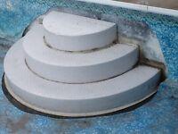 Escalier pour piscine creusee