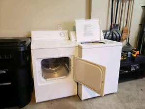 Fridgidaire Washer and Dryer Set