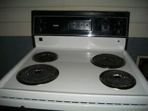 Danby 30 inch White Stove Very Clean